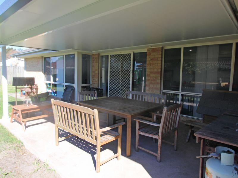 4 Compass Close, Tea Gardens, NSW 2324