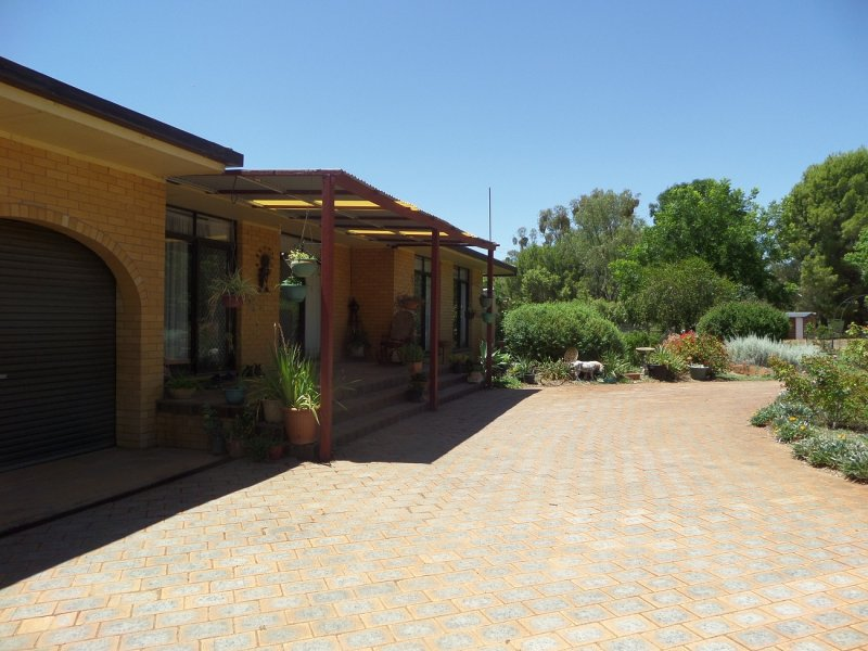 13 Gillenbah Creek Road, Narrandera, NSW 2700