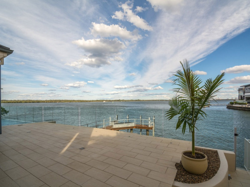 46 King Charles Drive, Sovereign Islands, Qld 4216