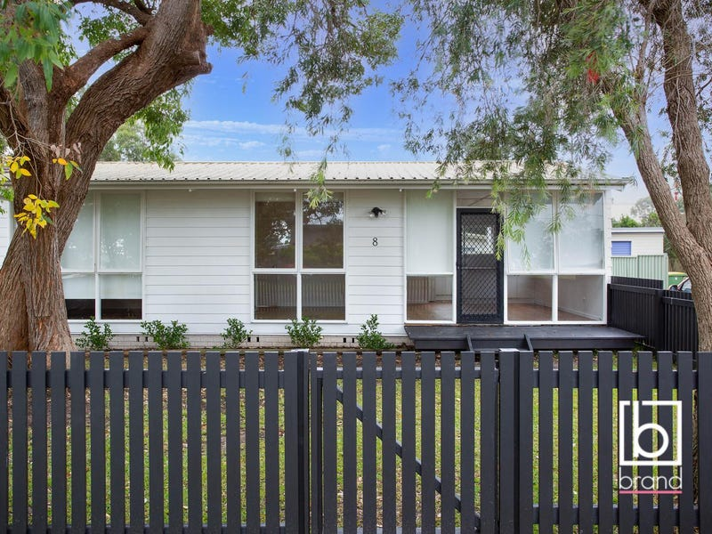 8 Fourth Avenue, Toukley, NSW 2263
