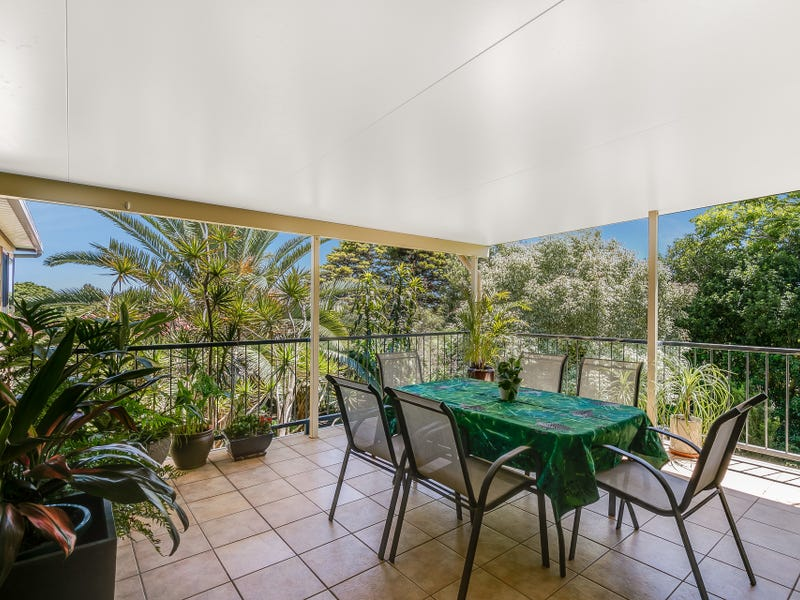4 Hilltop Crescent, Blue Mountain Heights, Qld 4350