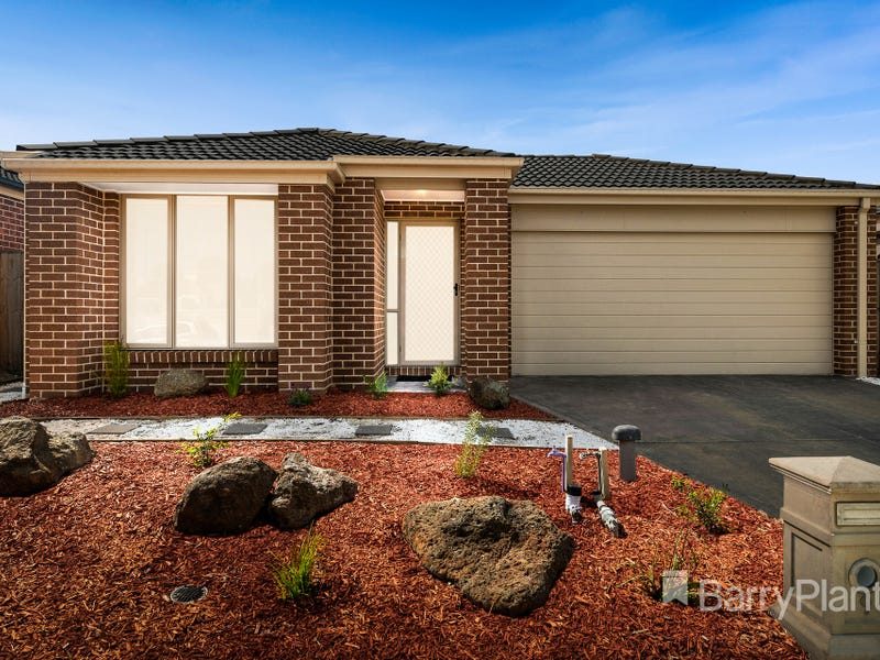 9 Mickleham Drive, Cranbourne North, Vic 3977