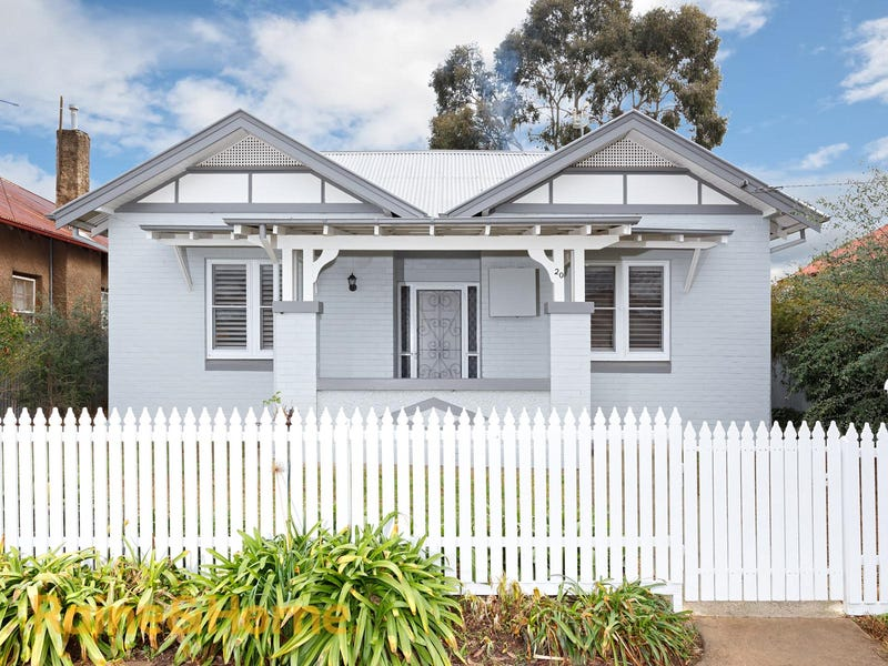 20 Norman Street, Turvey Park, NSW 2650