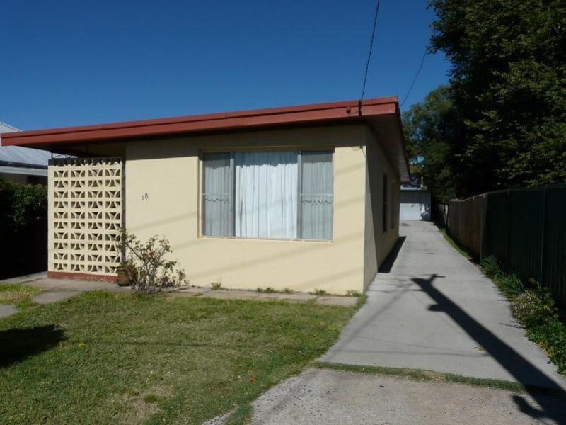 18 Cross Street, Bathurst, NSW 2795
