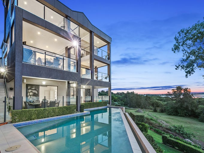 82 Douro Road, Wellington Point, Qld 4160