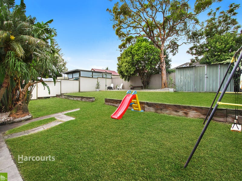 4 Andrew Crescent, Mount Warrigal, NSW 2528