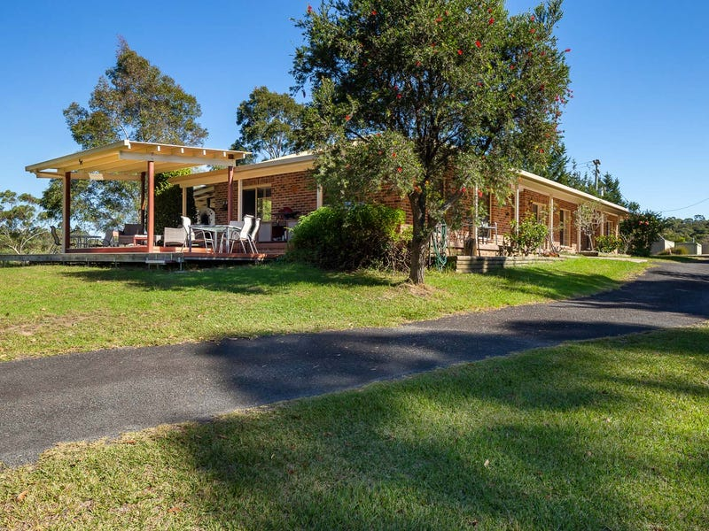 18 Crystal Lane, North Batemans Bay, NSW 2536