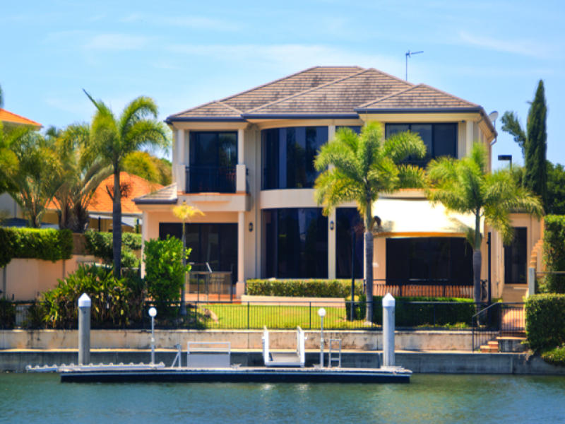 15 Queen Guineveres Place, Sovereign Islands, Qld 4216