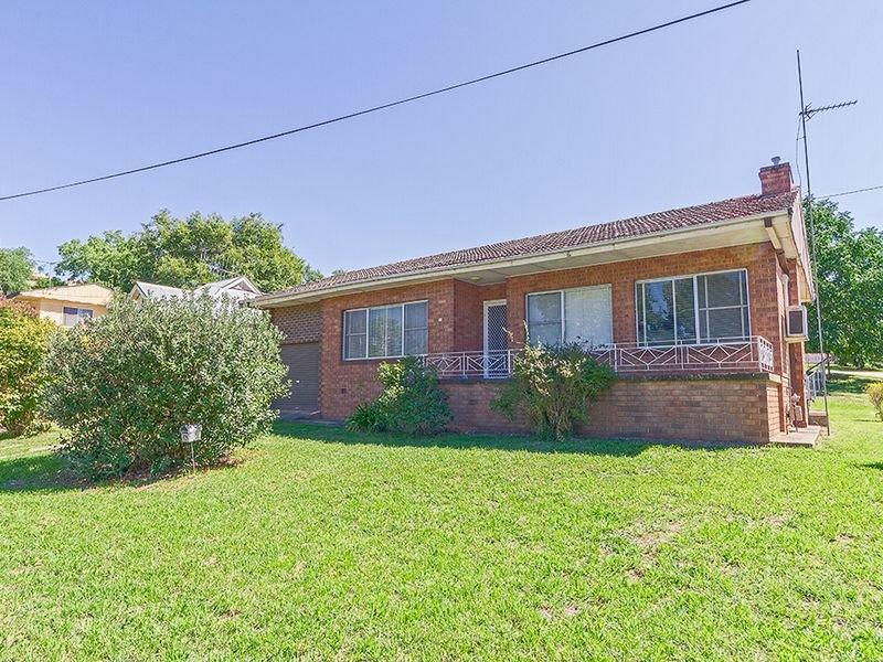 26 Liverpool Street, Cowra, NSW 2794