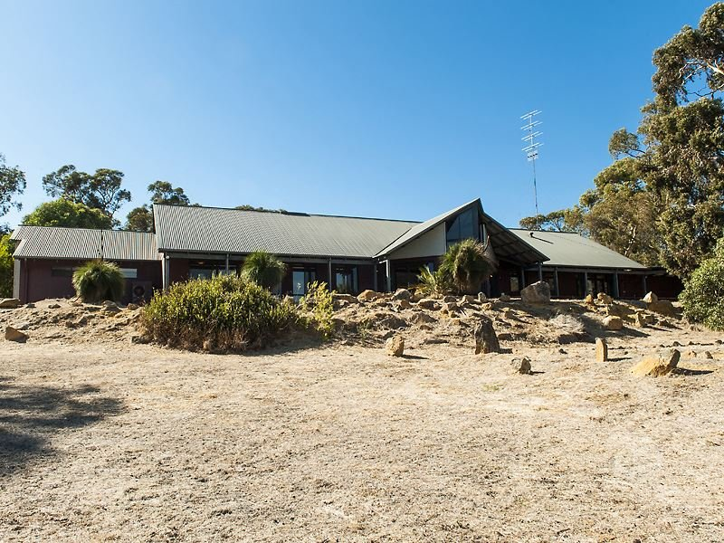 380 Hall Road, Waroona, WA 6215
