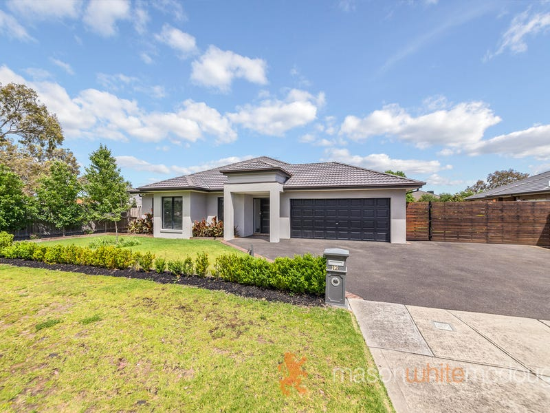 12 Braford Drive, Doreen, Vic 3754