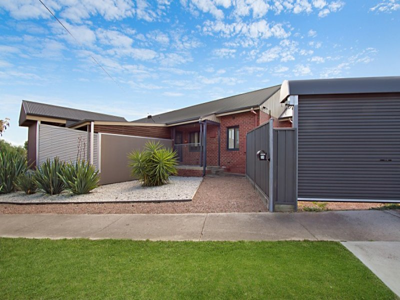 Room 8/32-34 Churchill Avenue, Bendigo, Vic 3550