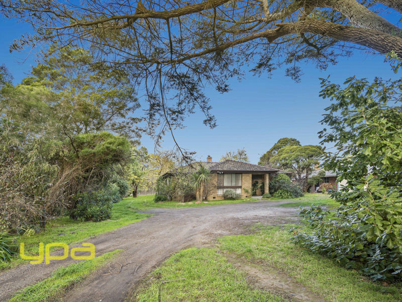 12 Waterfalls Road, Mount Macedon, Vic 3441