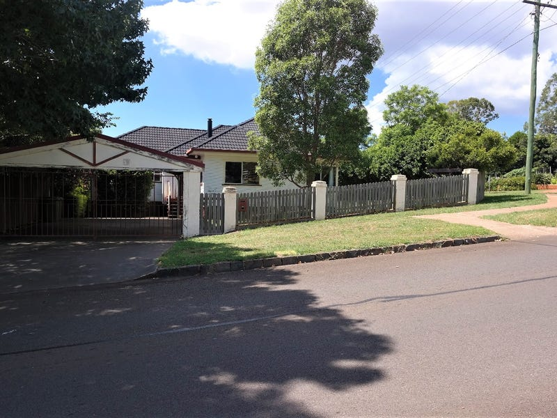 26 Ramsay Street, South Toowoomba, Qld 4350