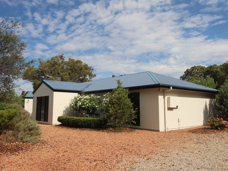 8 Essendon Road, Bungendore, NSW 2621