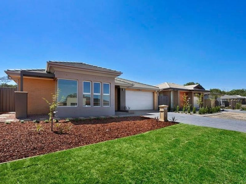18 Blizzard Circuit, Forde, ACT 2914