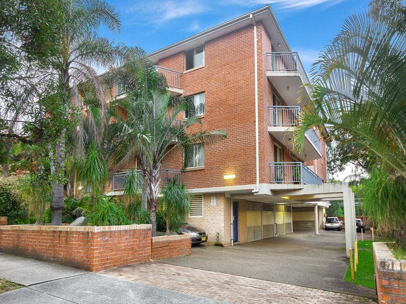 12/5 Marlene Crescent, Greenacre, NSW 2190