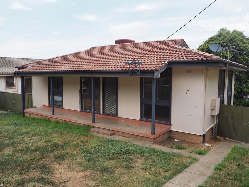 17 Mountview Crescent, Tamworth, NSW 2340