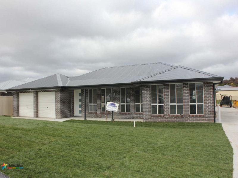 11 Amber Close, Bathurst, NSW 2795