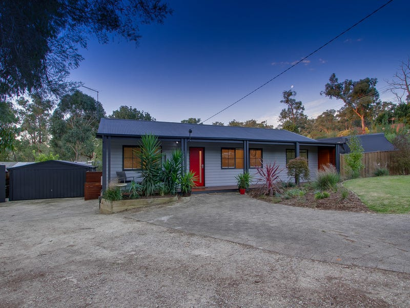 29 Weymar Crescent, Wandin North, Vic 3139