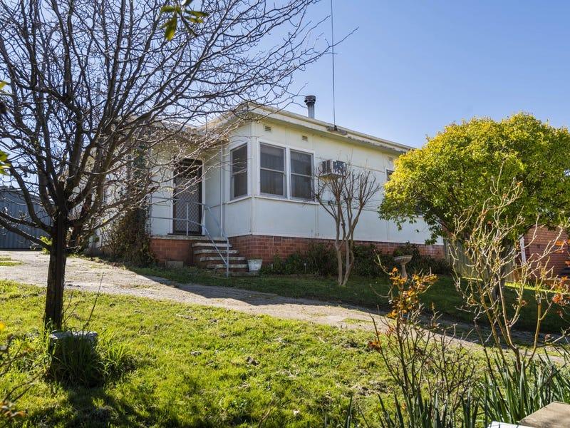 34 Booth Street, Queanbeyan, NSW 2620
