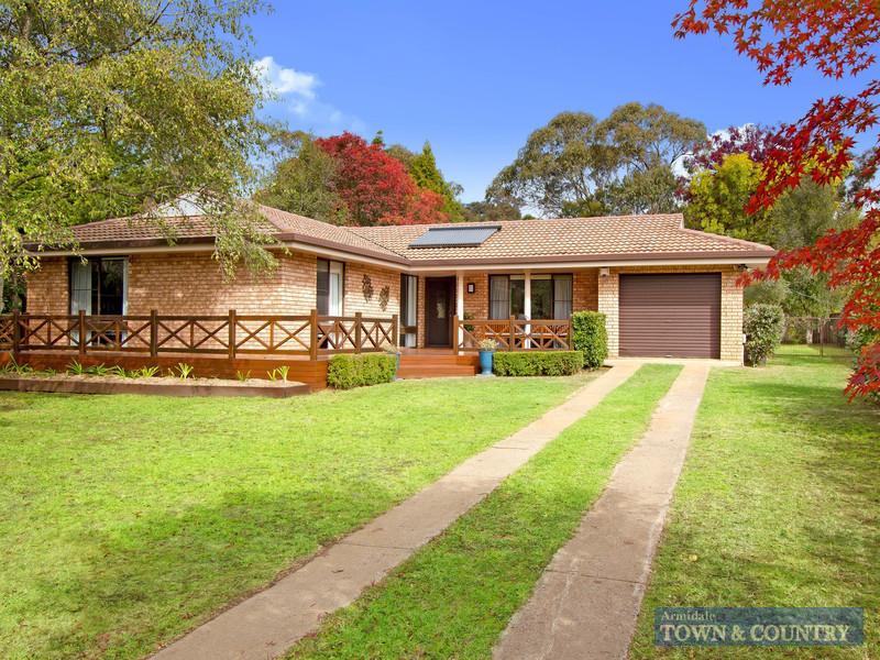 9 Centura Crescent, Armidale, NSW 2350