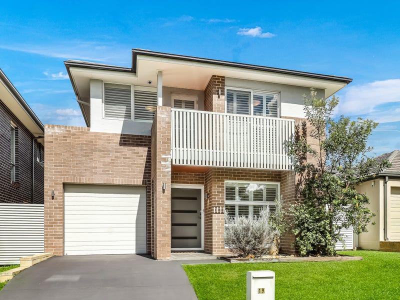 19 Rolla Road, Glenfield, NSW 2167
