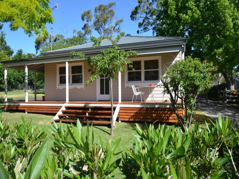 6 Railway Parade, Medway, NSW 2577