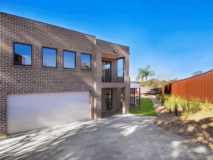 2/15B Barrenjoey Cl, Woodbine