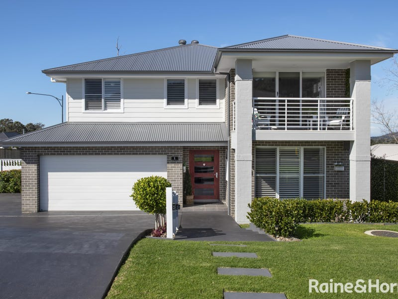 1 Parker Crescent, Berry, NSW 2535