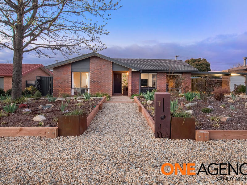 7 Parrabel Place, Isabella Plains, ACT 2905