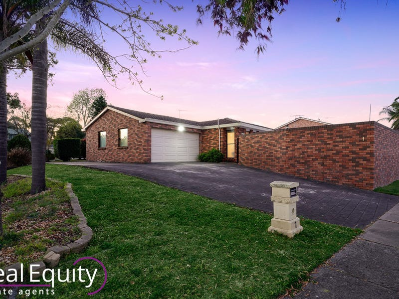 1 Rudham Place, Chipping Norton, NSW 2170