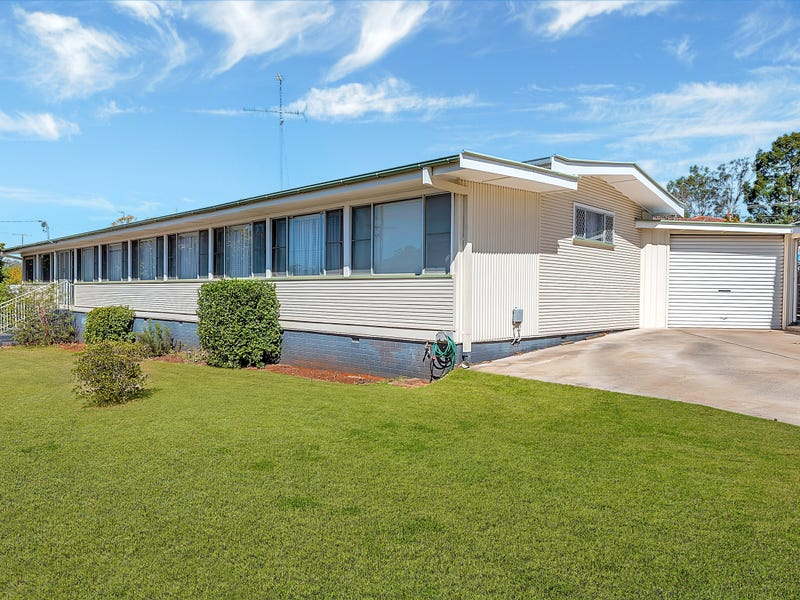 2 Loch Street, Centenary Heights, Qld 4350