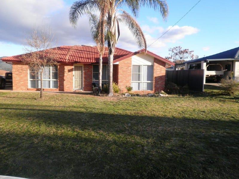 9 GRANT STREET, Kootingal, NSW 2352