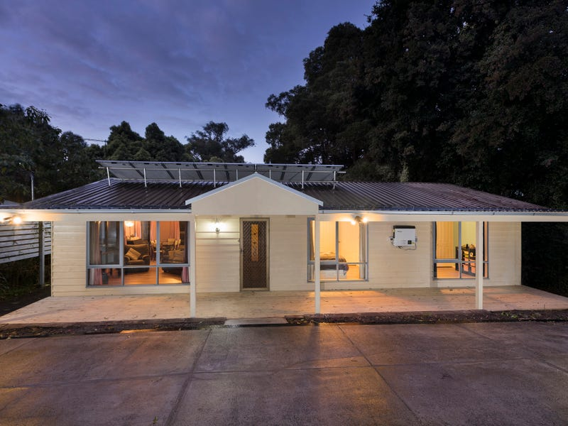 37  First Ave, Cockatoo, Vic 3781
