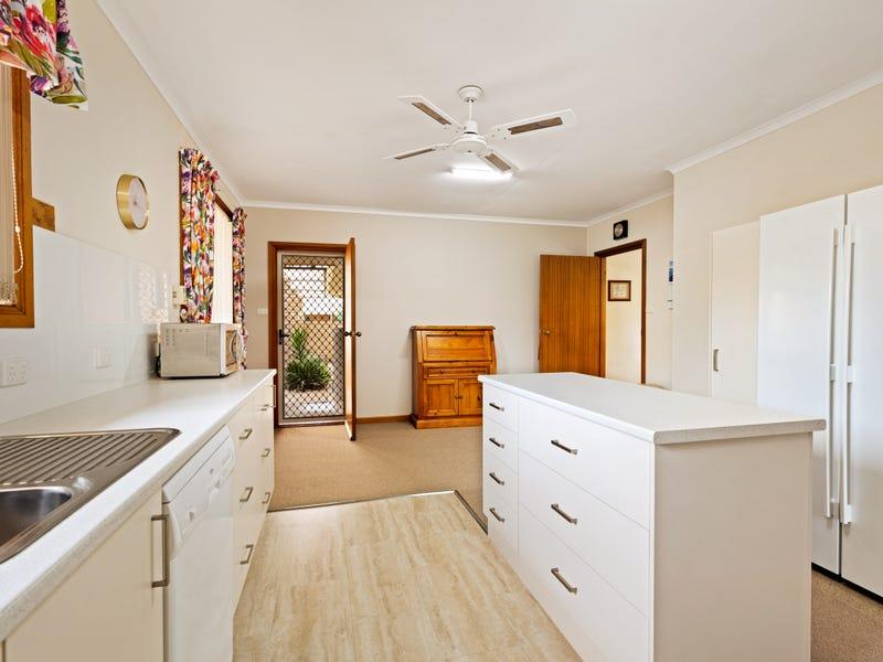 7 Fahey Crescent, Culcairn, NSW 2660