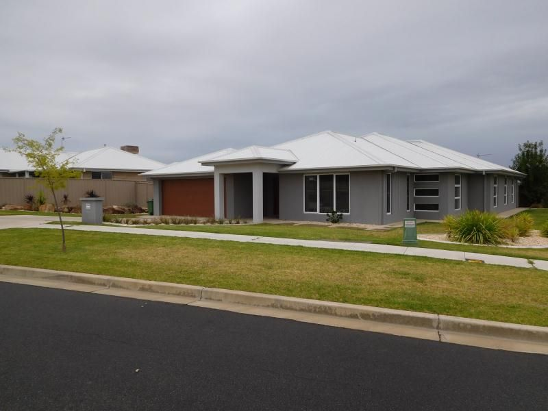 Room 3 - 78 Messenger Avenue, Boorooma, NSW 2650