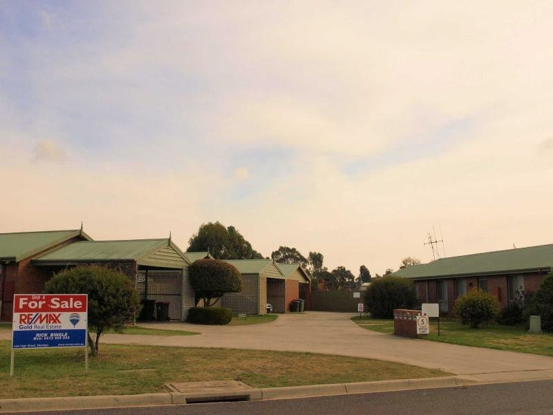Unit 4/1 Hospital Road, Heathcote, Vic 3523