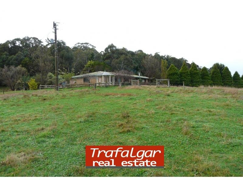 495 Russells Creek Road, Hill End, Vic 3825
