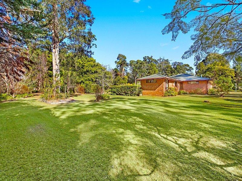 16 Woodland Grove, Wauchope, NSW 2446