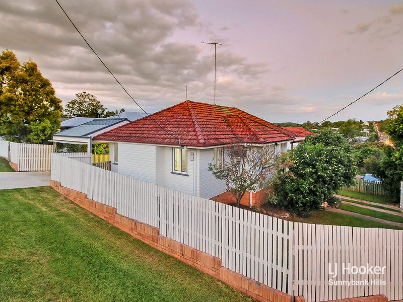 162 Nursery Road, Holland Park West, Qld 4121