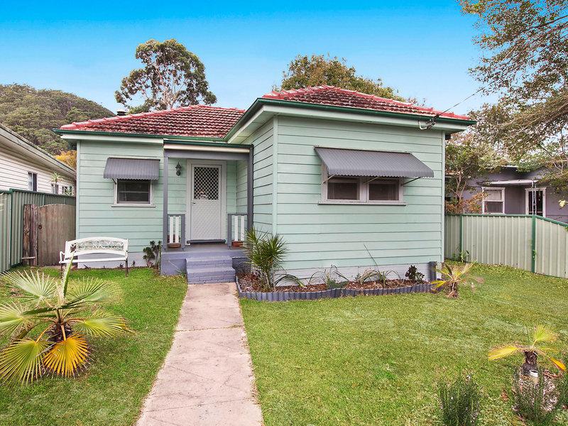 18 Collareen Street, Ettalong Beach, NSW 2257