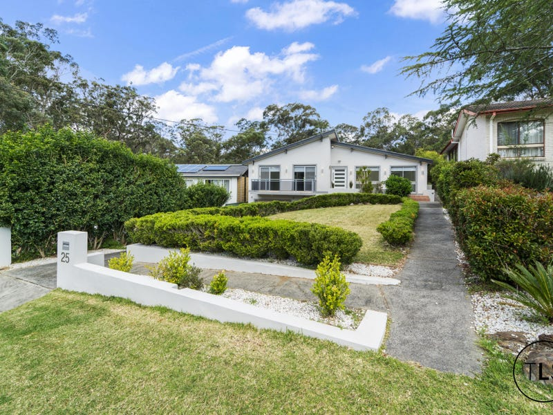 25 Amberdale Avenue, Picnic Point, NSW 2213