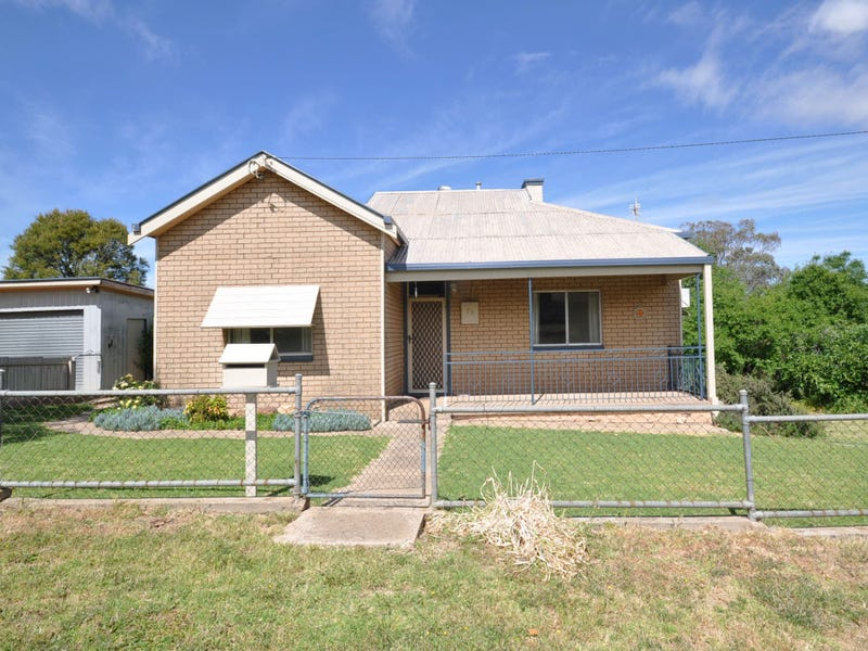 75 Hiscock Ave, Junee, NSW 2663