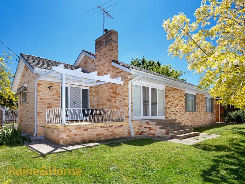 18 Plumpton Road, Kooringal, NSW 2650