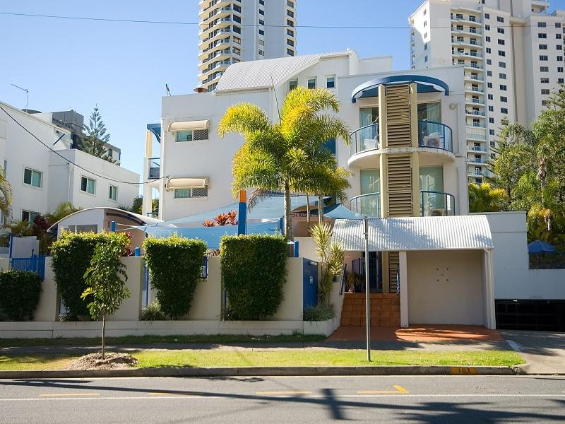 4/193 Surf Parade, Surfers Paradise, Qld 4217