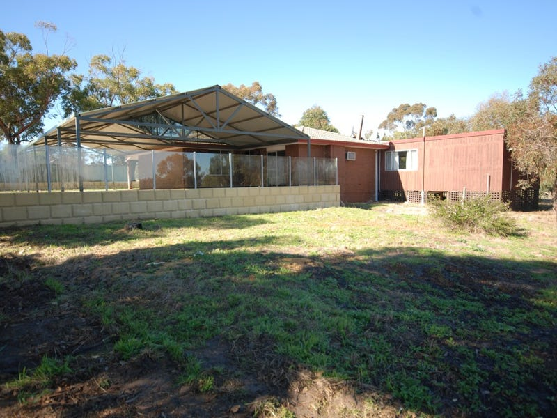 4958 Bullaring Rd, East Pingelly, WA 6308