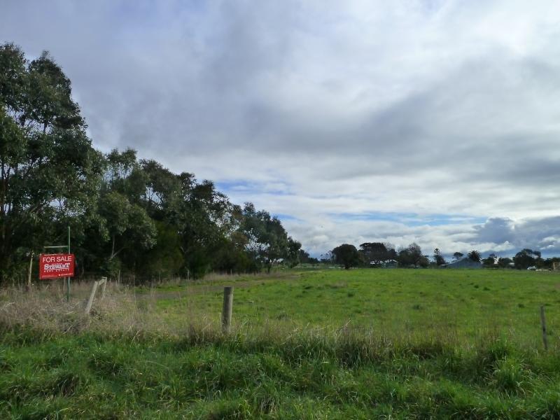 16 Cemetery Road, Warncoort, Vic 3243