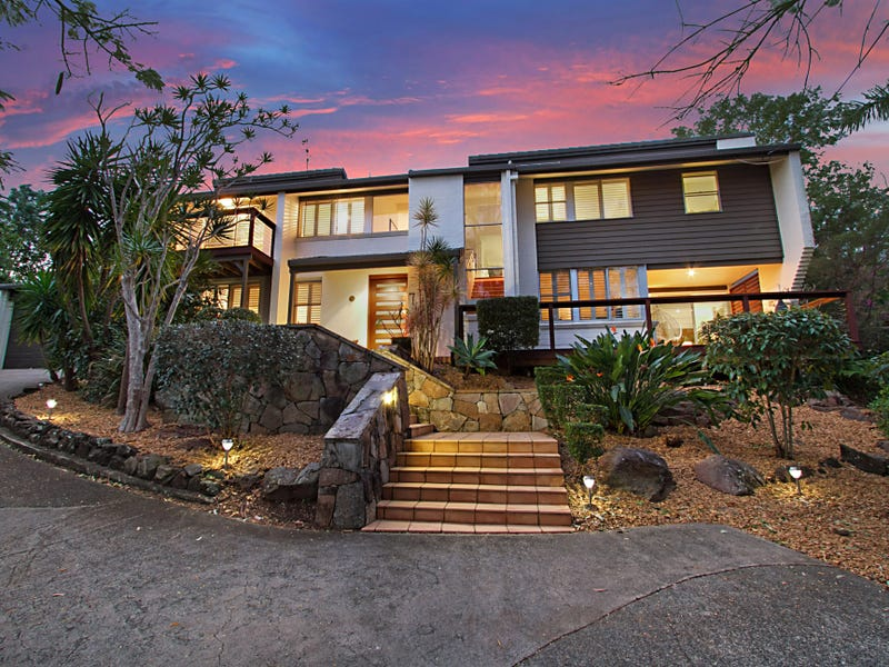 7 Bligh Court, Benowa, Qld 4217