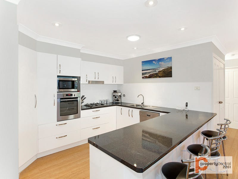3a Macintyre Street, Bateau Bay, NSW 2261